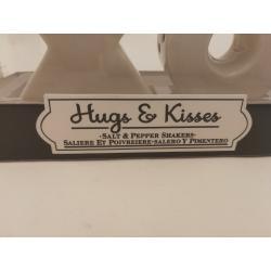 Hugs & kisses-salt-og pebersæt
