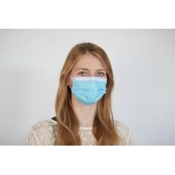 Kvinde med mundbind
